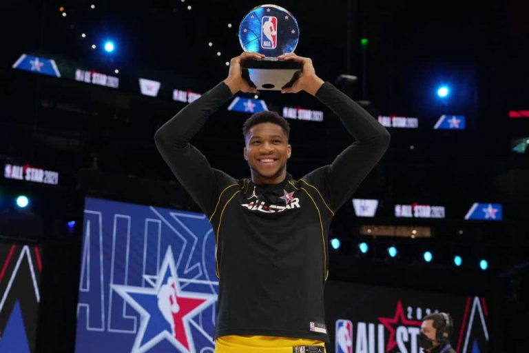 Giannis Antetokounmpo vince l'All-Star Game Kobe Bryant MVP Award 1